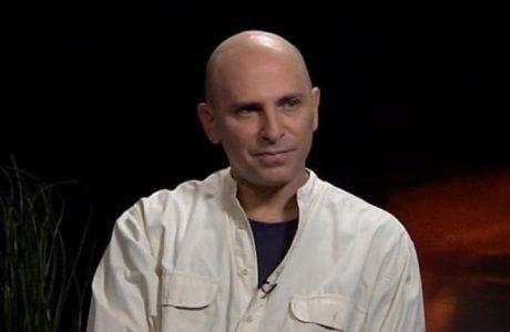 הסטודיו למשחק יורם לוינשטיין מרכין ראש על פטירתו של הבמאי, המחזאי והשחקן רוני פינקוביץ׳. יהי זכרו ברוך.