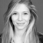 """""""שנים פינטזתי לשחק בתיאטרון"""" – ראיון עם אינה בקלמן (מחזור 2015) בעיתון ידיעות אחרונות"""
