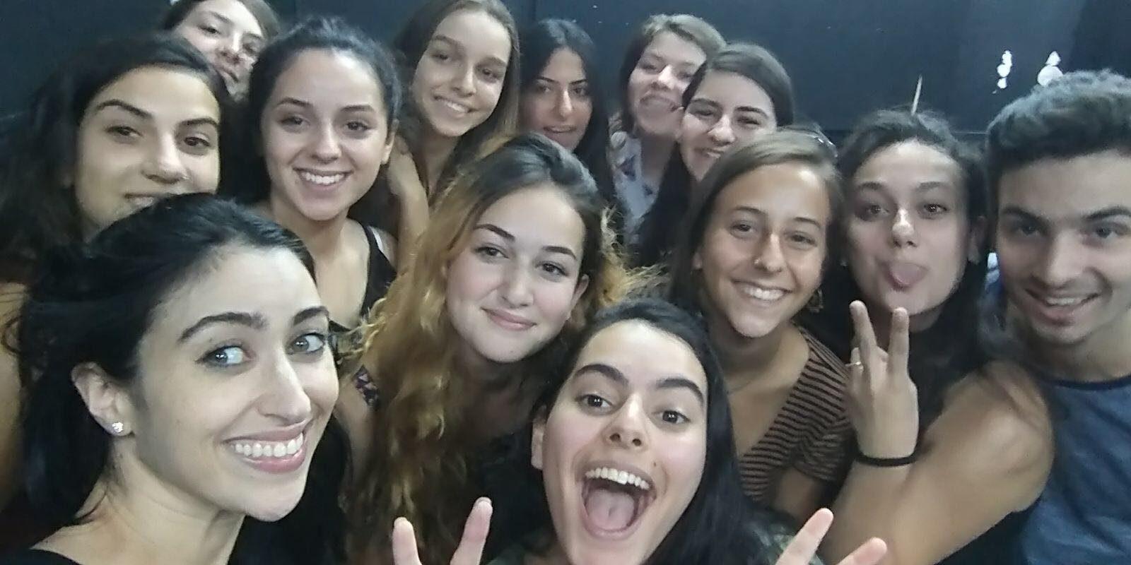 """הילה סעדה (בוגרת הסטודיו וונסה מ""""להיות איתה""""), נפגשה לסדנת אומן עם מכינת הנוער"""