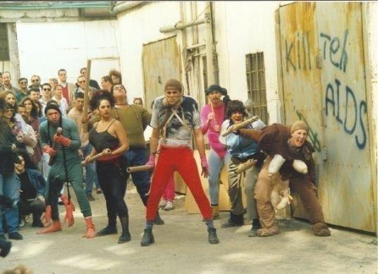 בופונים – על פי סיפור הפרברים – מחזור 1993