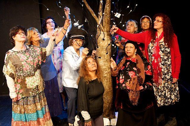 """""""עץ הזכרונות"""" – בביצוע קבוצת גיל הזהב משכונת התקווה"""